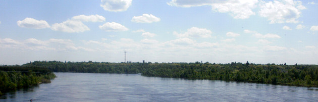 Řeka Pripjať a chladící rybník