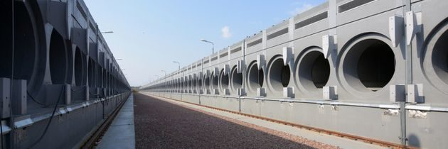 Skladování použitého paliva: pod vodou a poté v kontejnerech